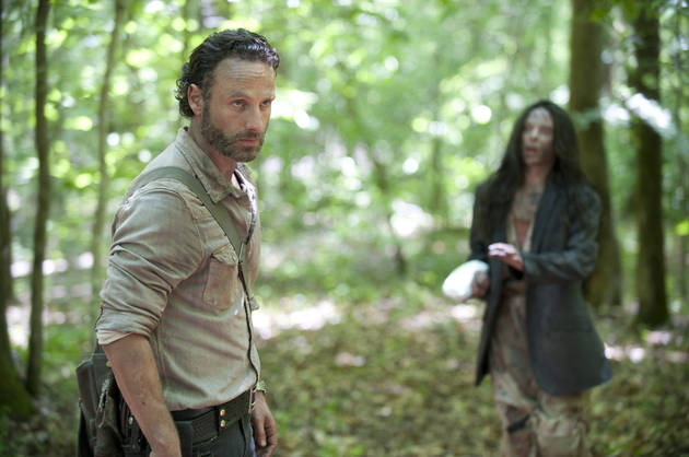 "The Walking Dead Season 4: Photos From Episode 2 May Reveal Who's ""Infected"""