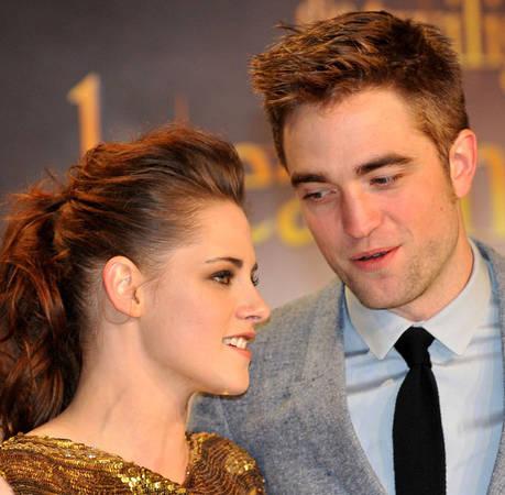 """Kristen Stewart """"Not Happy"""" Rob Pattinson's Dating Her Friend — Report"""
