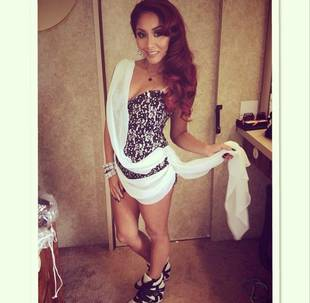 Snooki Flaunts Toned Bod in Bra Top and Skirt: See Her Sexy Look! (PHOTOS)