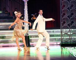 Dancing With the Stars 2013: Brant Daugherty and Peta Murgatroyd's Week 8 Foxtrot (VIDEO)