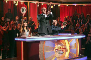 """Dancing With the Stars 2013 Semifinals: Maks Chmerkovskiy Judges """"Plugged/Unplugged Night"""""""