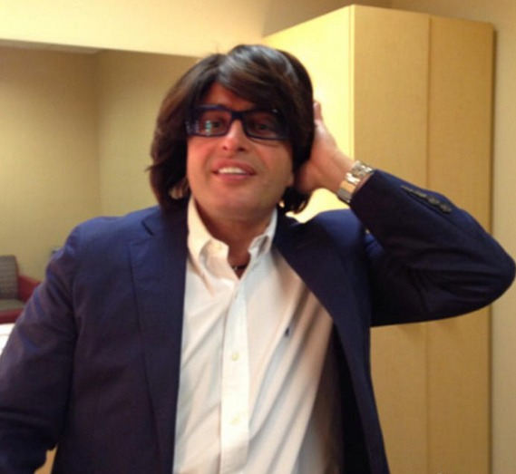 LOL Photo: Richard Wakile in a Sexy Wig for Halloween!