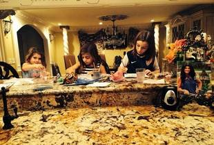 Teresa Giudice's Daughters Are Little Artists! (PHOTO)