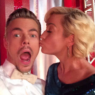 Kellie Pickler and Derek Hough Reunite on Dancing With the Stars With a Sweet Kiss! (VIDEO)