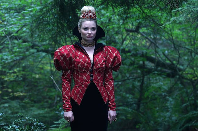 """Once Upon a Time in Wonderland: Emma Rigby on The Red Queen's """"Interesting"""" Past With Alice — Exclusive"""