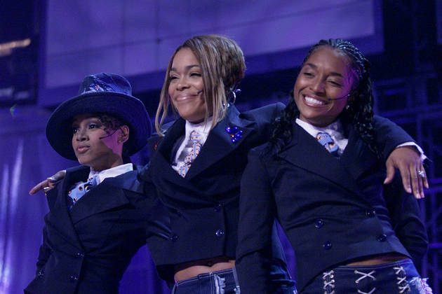 Should TLC Have Performed With a Left Eye Hologram at 2013 American Music Awards?