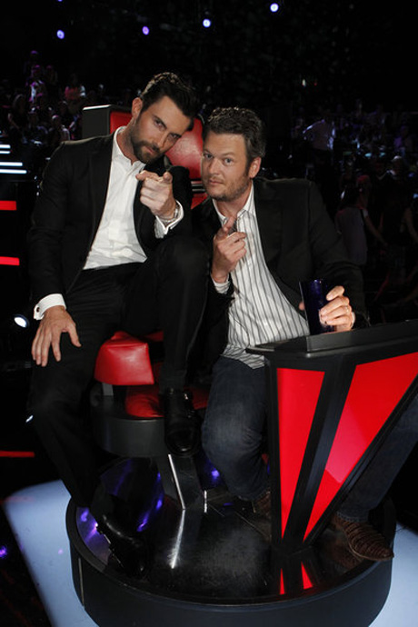 """Rumored """"Sexiest Man Alive"""" Adam Levine Says Blake Shelton Is Sexier"""
