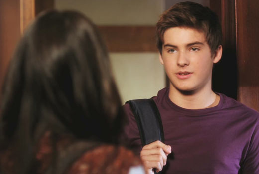 """Pretty Little Liars Spoilers: Mike Montgomery """"Is in His Own World Right Now"""" — Exclusive"""