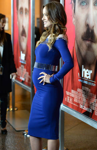 Pregnant Olivia Wilde Flaunts Baby Bump in Tight Blue Dress (PHOTO)