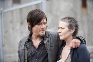 Will Carol Peletier and Daryl Dixon Kiss on The Walking Dead Season 4? (UPDATE)