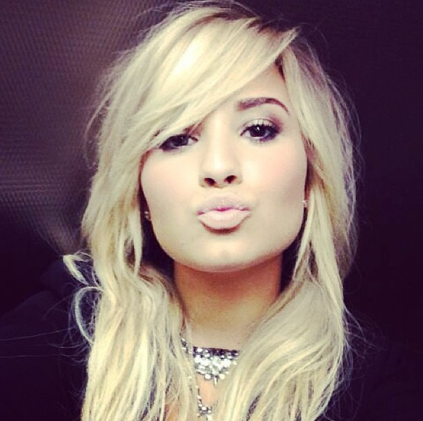 """Demi Lovato Talks Rehab and Her Choice to be """"100 Percent Honest"""""""