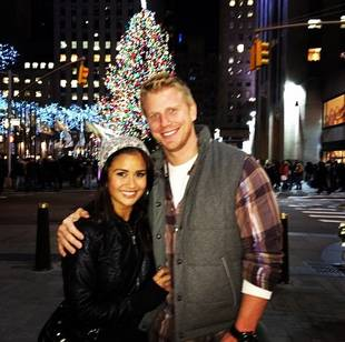 Sean Lowe and Catherine Giudici Show Off Their Holiday Spirit in NYC! (PHOTO)