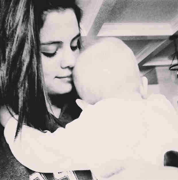 """Selena Gomez Cuddles Sister Gracie: """"I'm the Happiest I've Been in a While"""" (PHOTO)"""