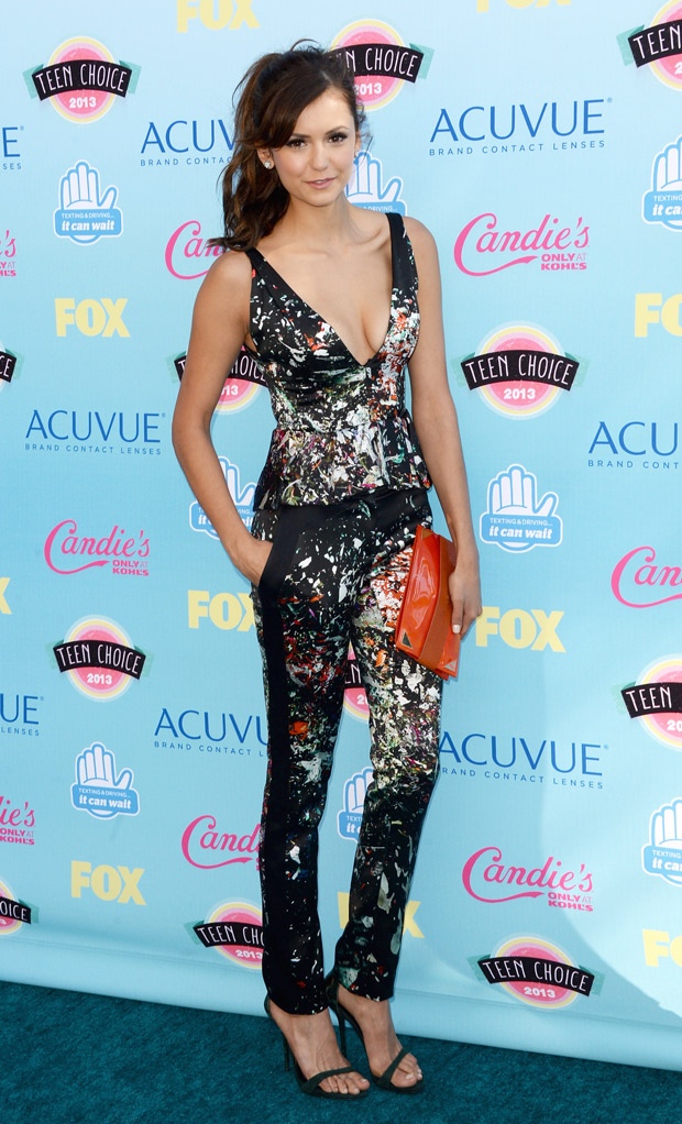 Nina Dobrev's Epic Christmas Dance Battle Continues — Watch Her Reverse Time! (VIDEO)