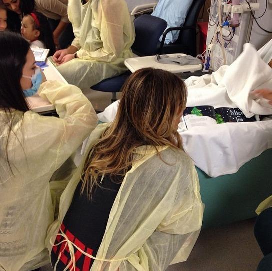 Kim Kardashian and Kendall Jenner: Christmas Eve Hospital Visit (PHOTOS)