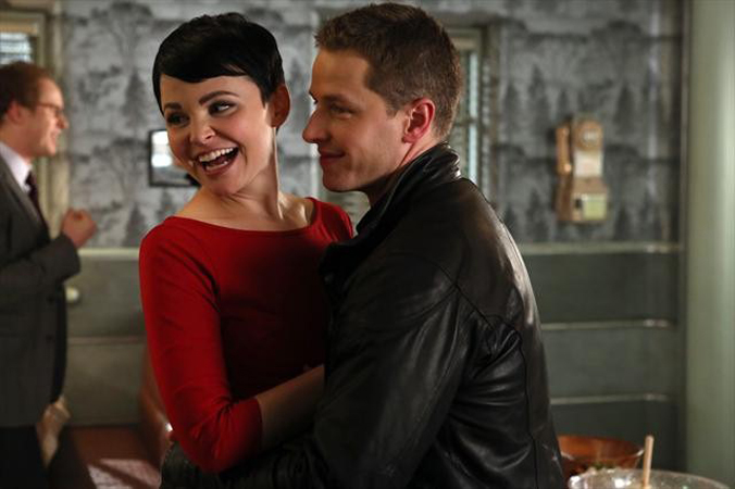 Once Upon a Time Season 2: Ginnifer Goodwin Talks Charming Tensions and Swan Queen