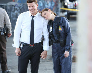 """Emily Deschanel: """"I Look Forward"""" to Seeing Brennan's Marriage Proposal to Booth!"""
