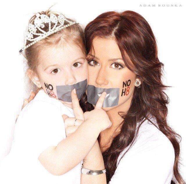 Chelsea Houska Reveals Photos From NOH8 Campaign Photoshoot (PHOTOS)