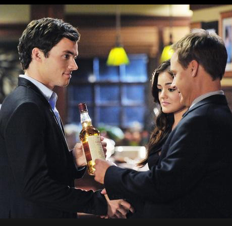 """Pretty Little Liars Season 3, Episode 18 Burning Questions: Is Ali Alive? Is Ezra on the """"A"""" Team? And More"""