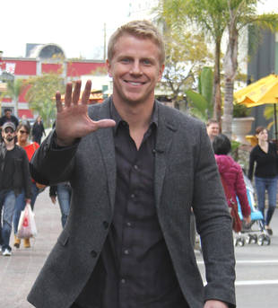 Bachelor Sean Lowe Parties in Vegas, Ignores Hoards of Ladies!
