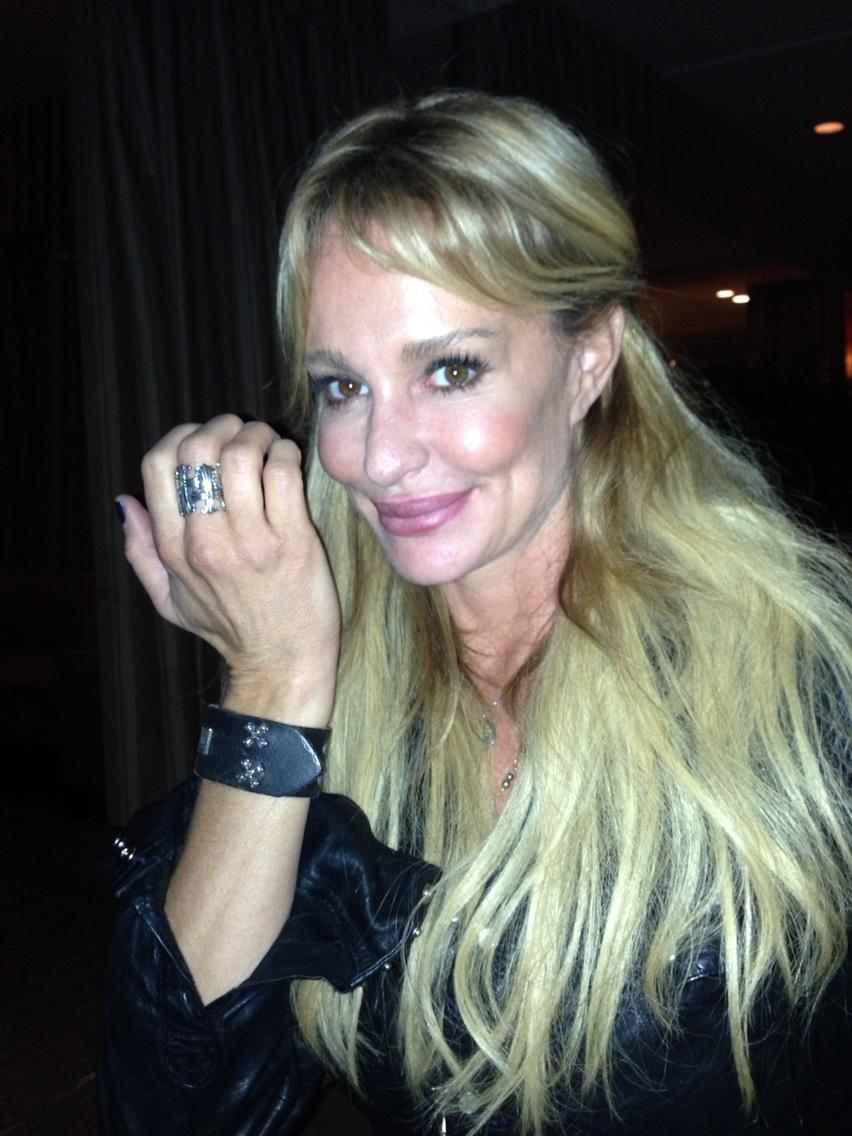 Real Housewives of Beverly Hills' Taylor Armstrong Drinking a Problem?