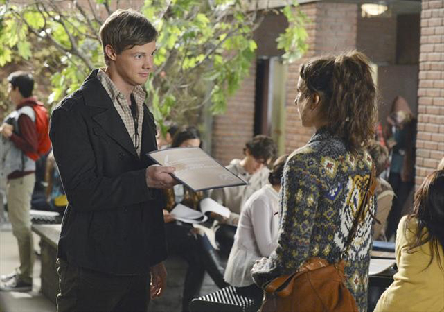"Who Is ""A""? Top 5 Suspects From Pretty Little Liars Season 3, Episode 19"