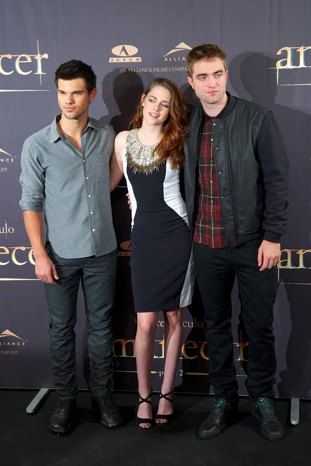 Taylor Lautner's 21st Birthday Party: Bowling With Kristen Stewart
