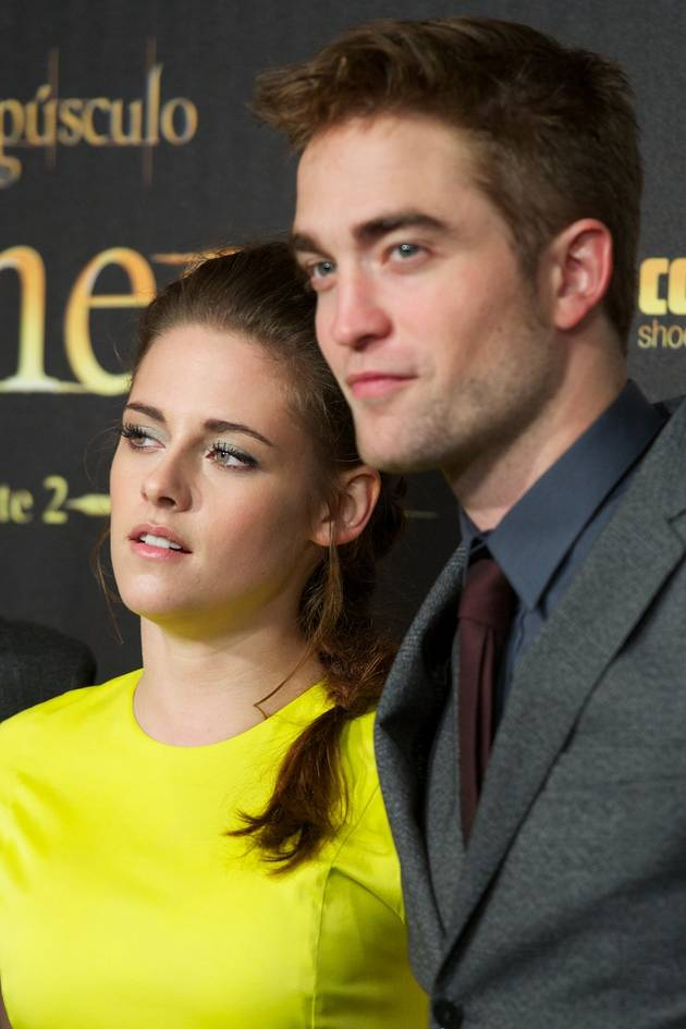 Kristen Stewart Parties With Rob Pattinson's Friends While He's Gone!