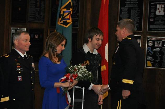 The Bachelor's Linday Yenter's Dad Is a Major General in The U.S. Army