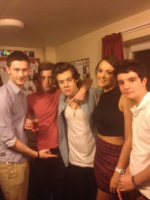 Harry Styles's Taylor Swift-Free Valentine's Day: Tequila and College Girls!