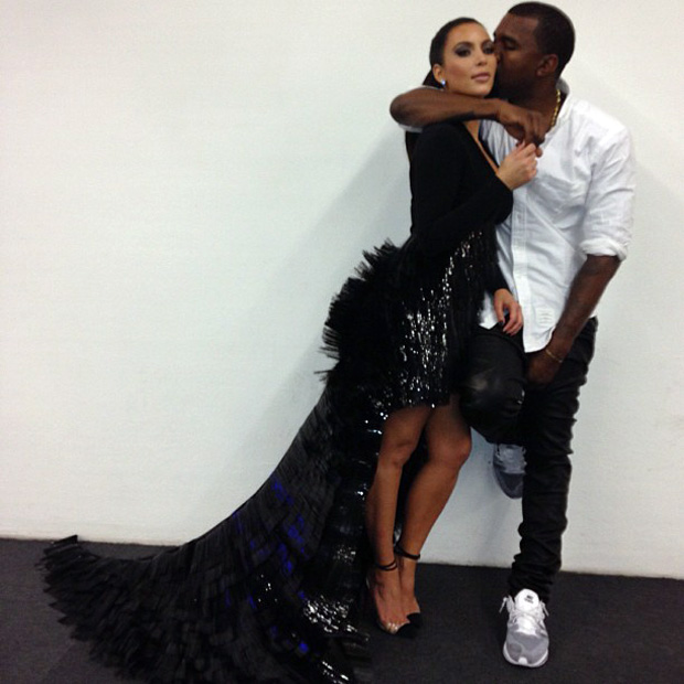 Kim Kardashian Loves Her Fans — and BF Kanye Hasn't Changed That!