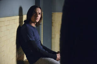 "Pretty Little Liars Season 3 Finale Spoilers: ""More Shocking Than Any Other,"" Says Tyler Blackburn"