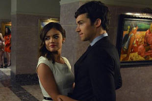 "Pretty Little Liars Spoilers: ""There's Always Hope"" For Ezria"
