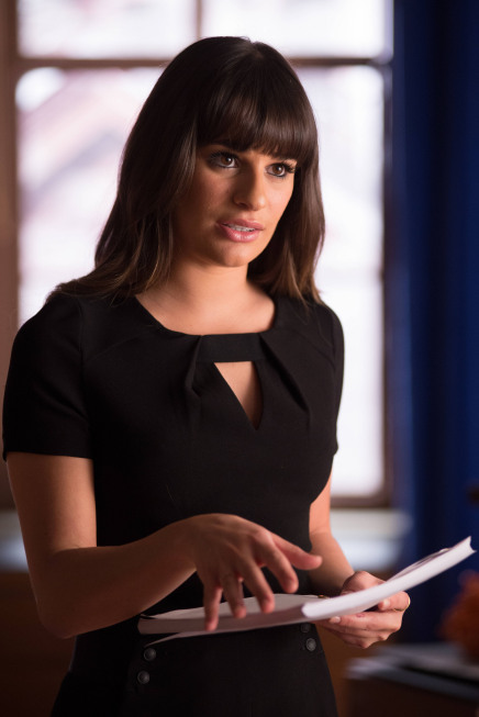Glee Spoiler: Rachel's Pregnancy Test Results Say She's…