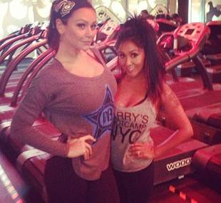 Snooki and JWOWW Team Up For a New Workout Routine! (PHOTO)