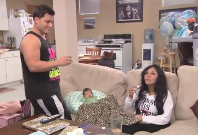 Snooki, JWOWW, Jionni, and Roger Take Breast Milk Shots on Snooki & JWOWW (VIDEO)