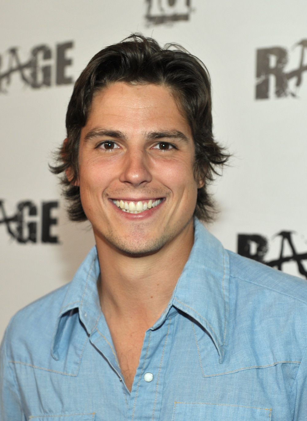 Pretty Little Liars Season 4 Spoilers: Sean Faris Dishes on Rosewood's Newest Cop