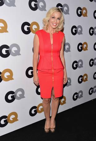 "Jennie Garth Shares Wallet-Friendly Shopping Tips: ""I'm No Beverly Hills Socialite"""