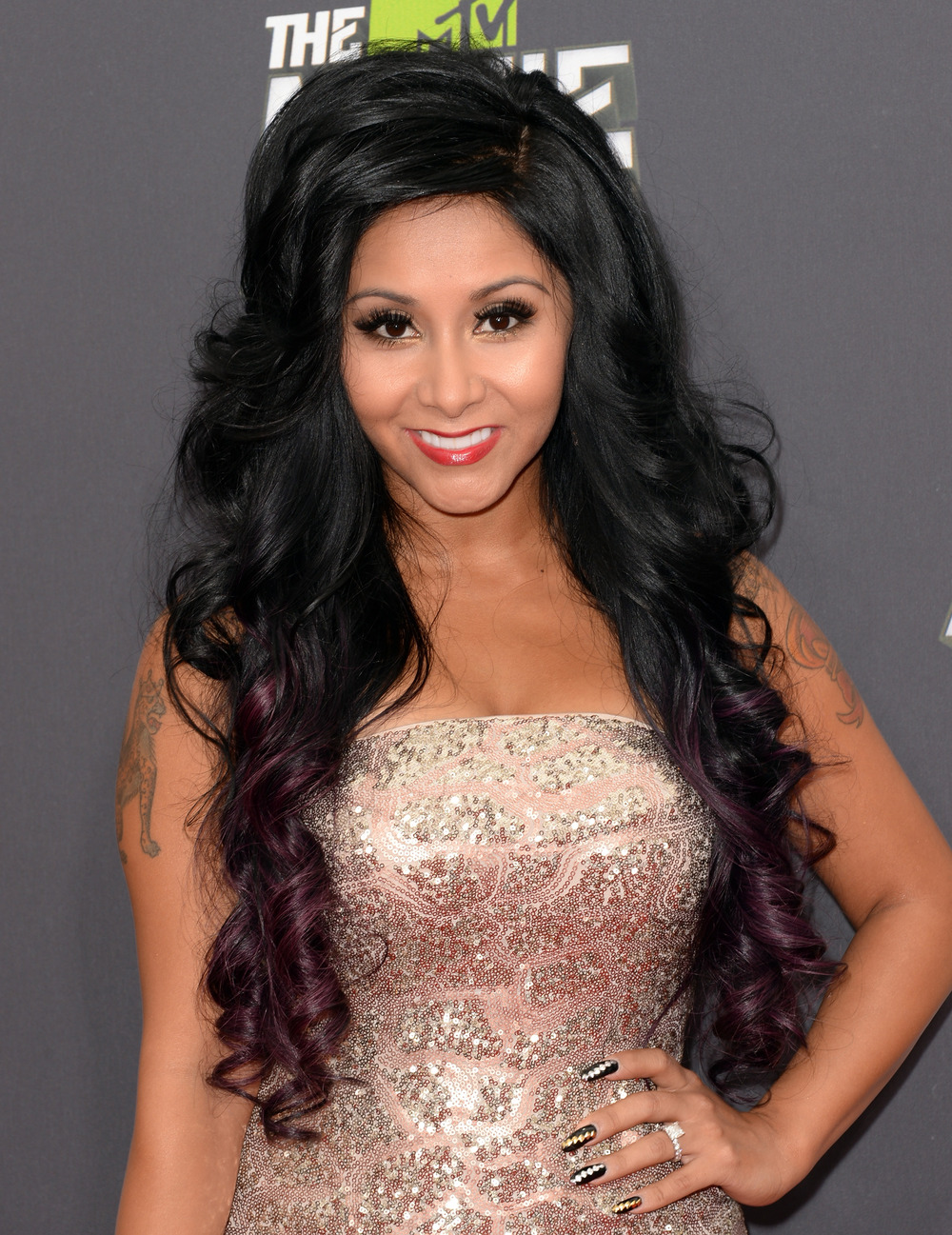 Snooki Stuns at 2013 MTV Movie Awards — Check Out Her Glittering Gown! (PHOTOS)
