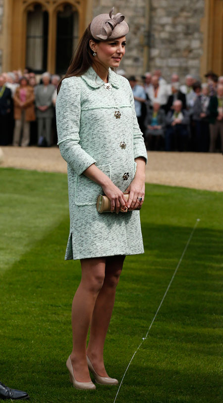 Kate Middleton's Baby Bump is Definitely Showing Now! (VIDEO)