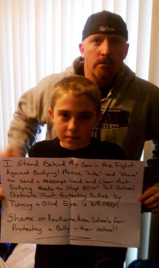 Dad's Facebook Post Protesting School Bullying Goes Viral (PHOTO)