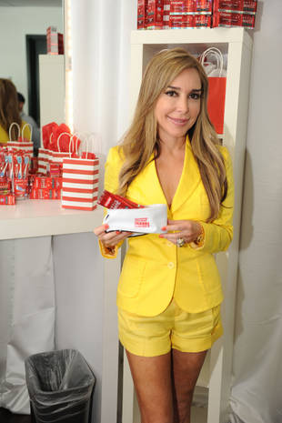 Real Housewives' Marysol Patton Stuns in Yellow at 2013 Billboard Latin Music Awards (PHOTO)