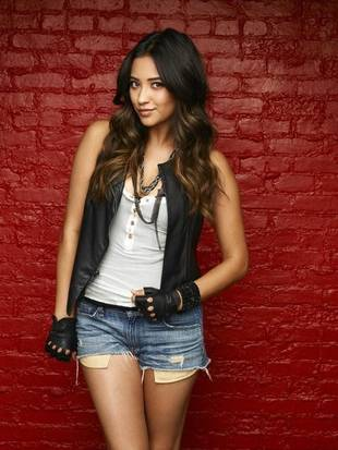 Pretty Little Liars Season 4 Spoilers: Will Emily Tell Paige She Loves Her?
