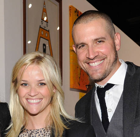 """Reese Witherspoon's Husband """"Feels Awful"""" About Drunk-Driving Incident"""