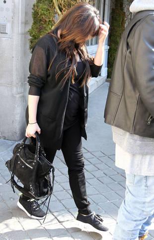 Pregnant Kim Kardashian Upset in Paris — Finally Tired of Paparazzi?