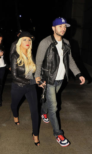 Christina Aguilera Goes to See Rihanna in Concert! (PHOTO)