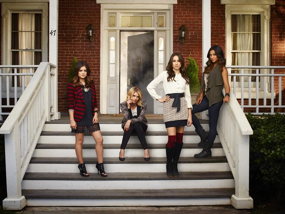Pretty Little Liars Season 4, Episode 5 Spoiler Pic: The Liars Go Greek!