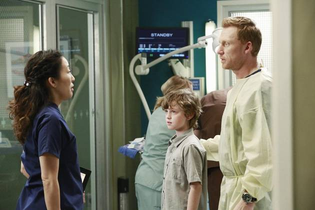 "Grey's Anatomy Spoilers: Cristina and Owen Talk Babies Again, ""Struggle to Stay in Love"""