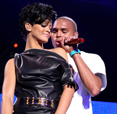 Chris Brown's Dad Doesn't Approve of Rihanna!