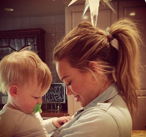 Hilary Duff's Son Luca Is Obsessed With Buttons (PHOTO)